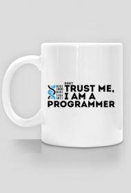 Kubek - don't trust me, i am a programmer - dziwneumniedziala.com - koszulki dla informatyków